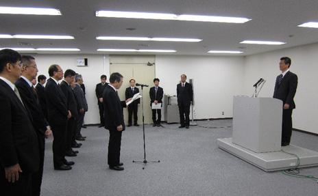 新旧沖縄及び北方対策担当大臣引継式及び職員への挨拶式