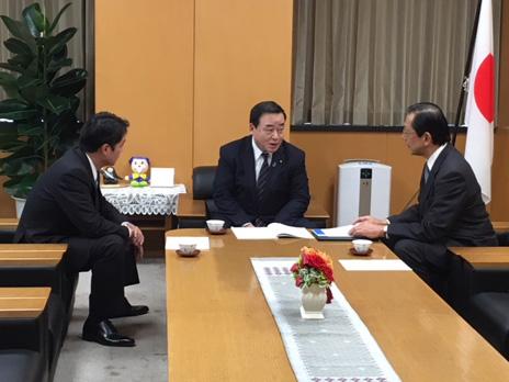 隅経済同友会地方創生委員長・尾崎高知県知事との面会 - 内閣府